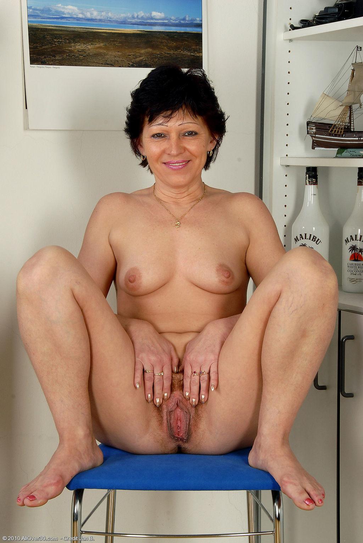 seks-s-nekrasivoy-devushkoy