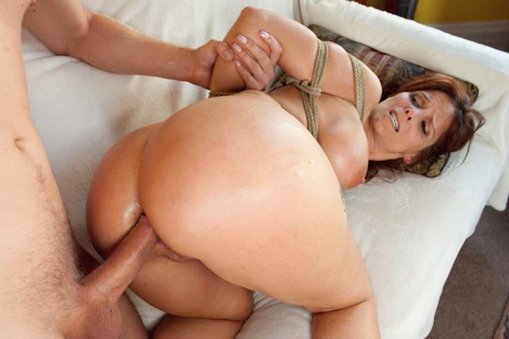 Порно фото маму ебут в жопу