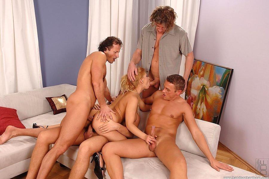 Во все щели - Порно фото галерея 611254