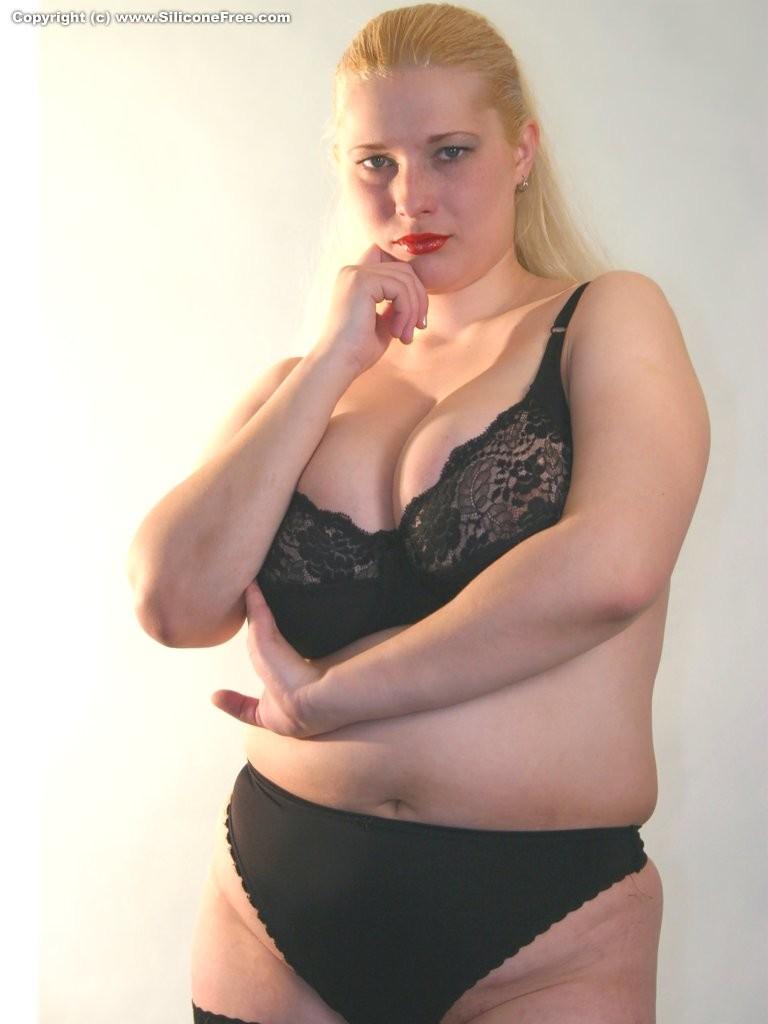 Sara Belle – Сара Бель – худенькая и страстная порно звезда с маленькими сиськами порно звезда