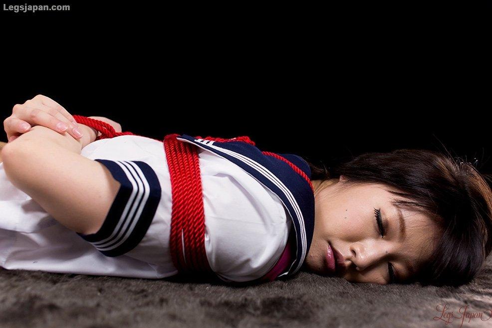 Под юбкой азиатки Shiina Mizuho