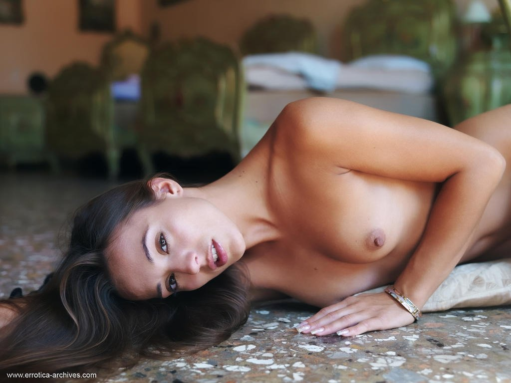 Большие половые губы - Фото галерея 1000907