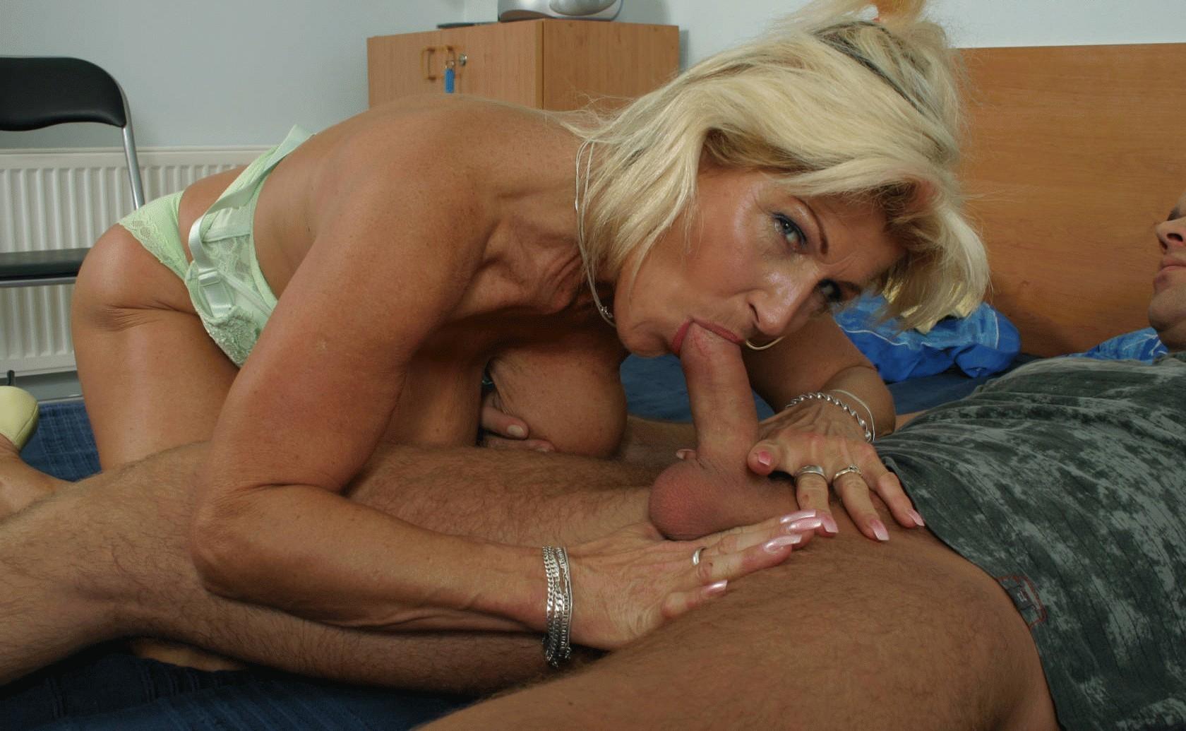 porno-pozhilie-blondinki