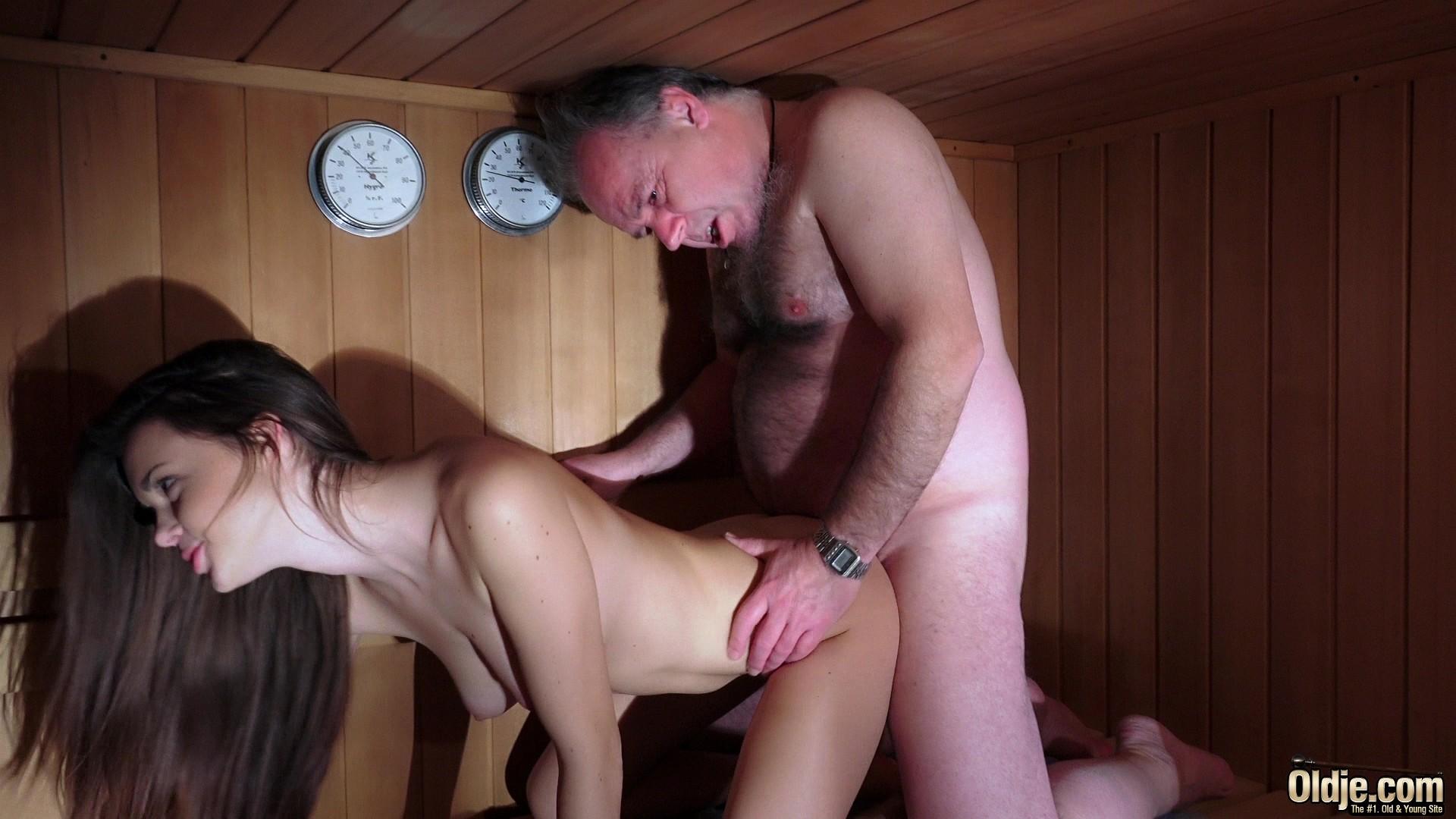 Трахают проституток в бане на порно, В сауне порно, смотреть секс в Сауне видео бесплатно 12 фотография