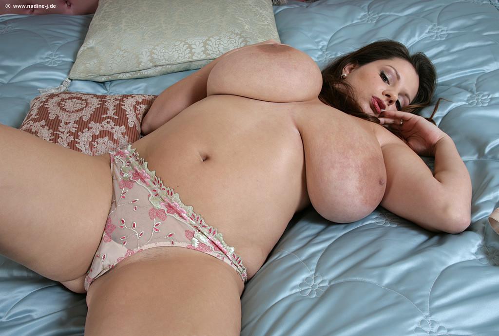 толстушка с большими настоящими сиськами порно