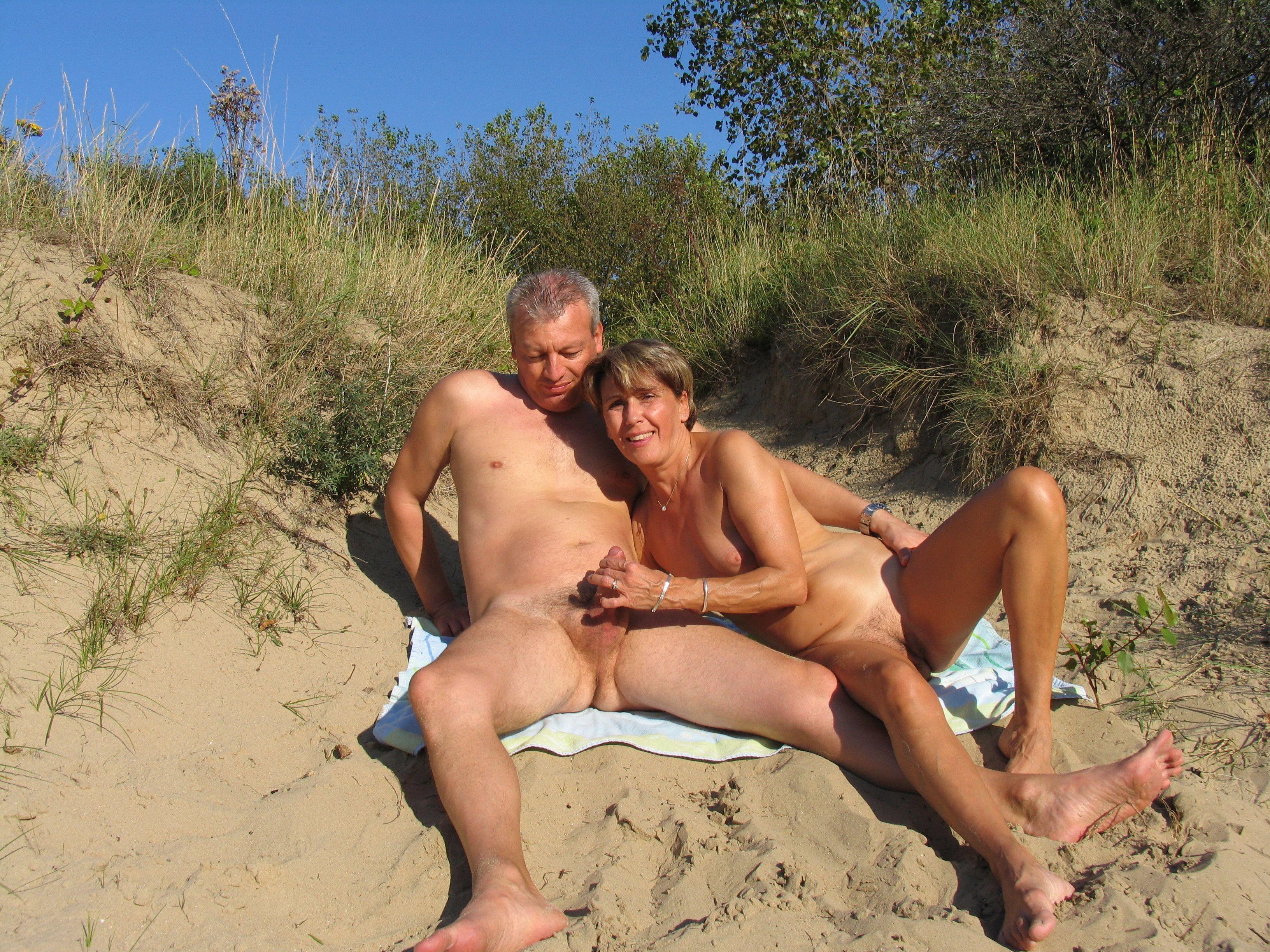 semeynie-nudisti-porno-erotika