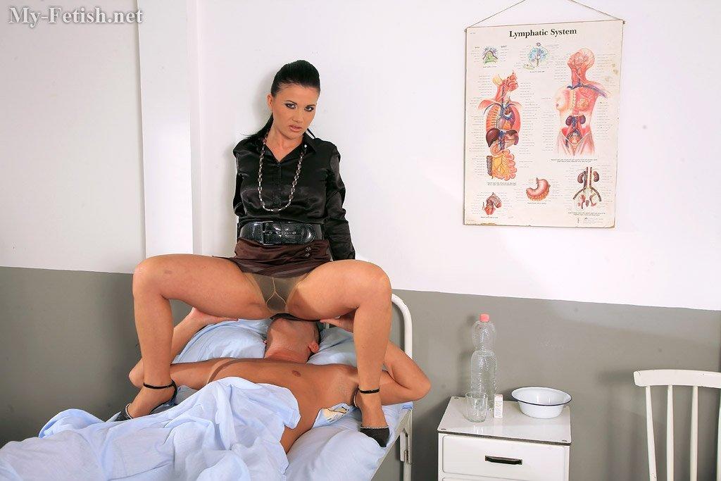 порно врач колготки