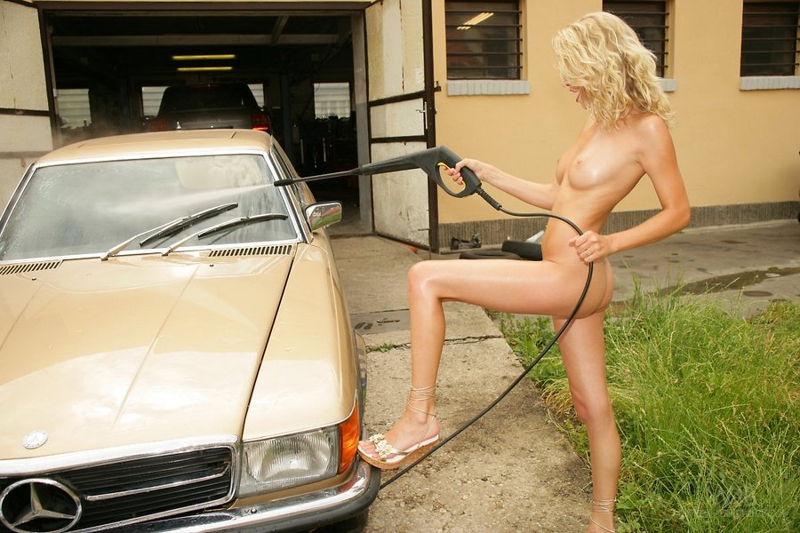naked girls washing cars № 408569