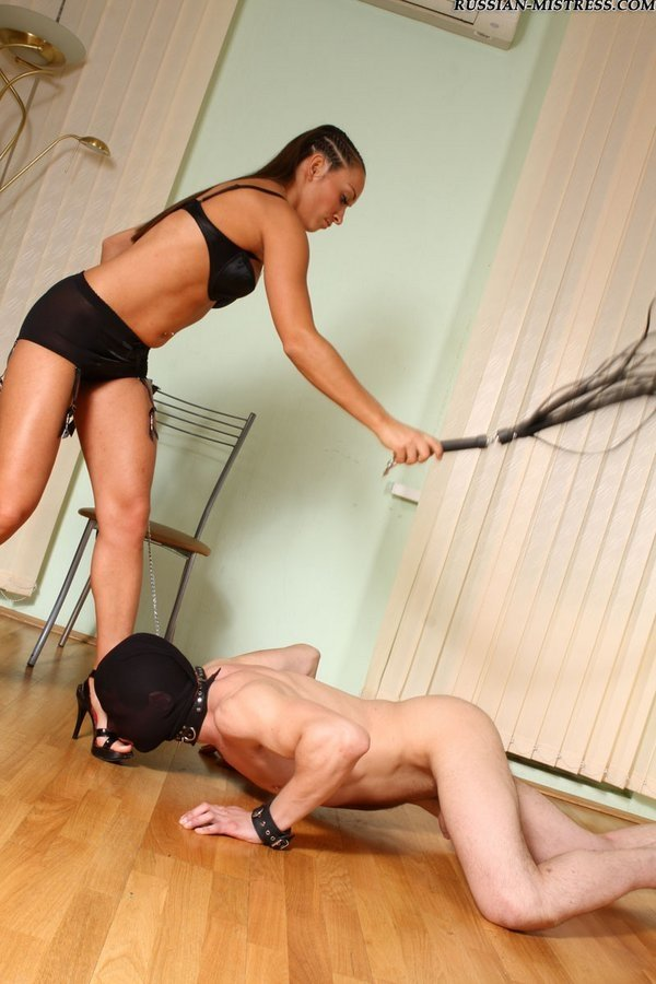 Голые мужчины и женщины в одежде - Фото галерея 872400