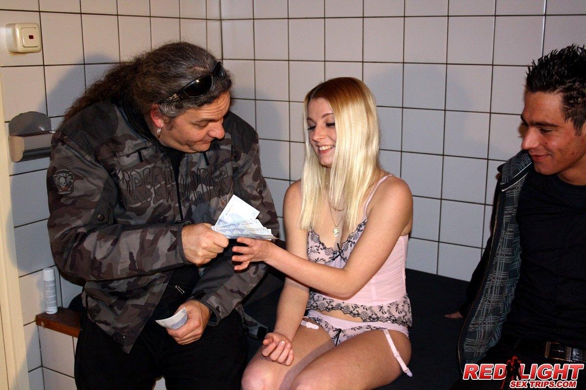 Избита Проститутка