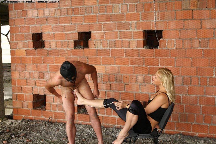 Голые мужчины и женщины в одежде - Фото галерея 872362
