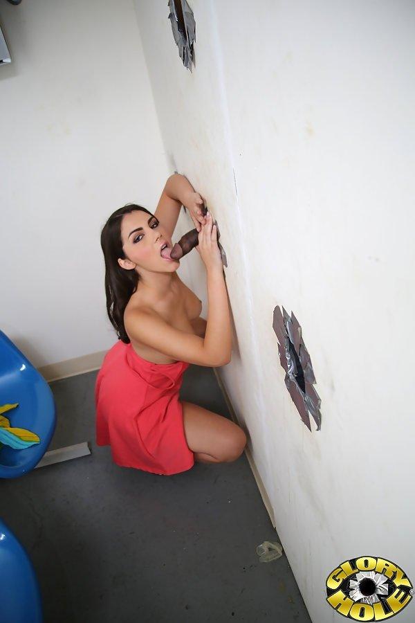 Полоскание горла спермой - Порно фото галерея 969928