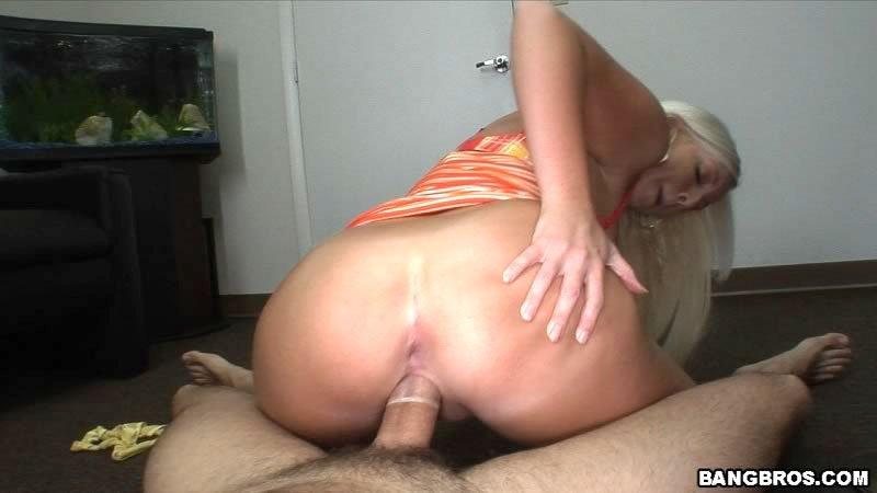 В презервативе - Порно фото галерея 623690