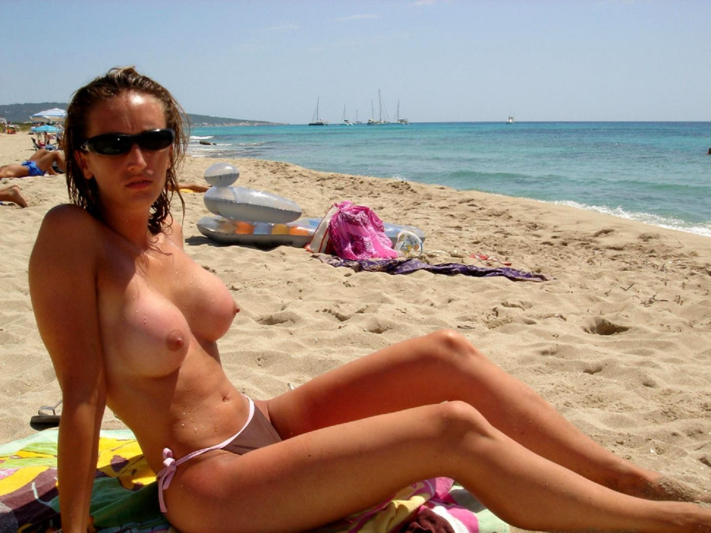 Частные фото женщин на пляже эротика, Голые зрелые женщины на пляже (41 фото) Зрелые 16 фотография