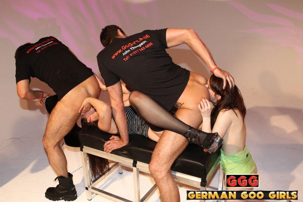Полоскание горла спермой - Порно фото галерея 938157