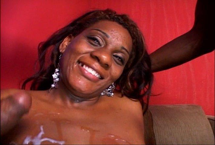 В презервативе - Порно фото галерея 685498