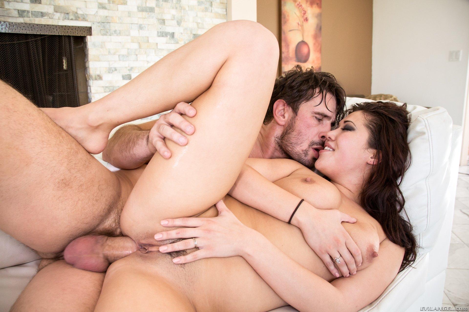 Спермой в глаз - Порно фото галерея 935445