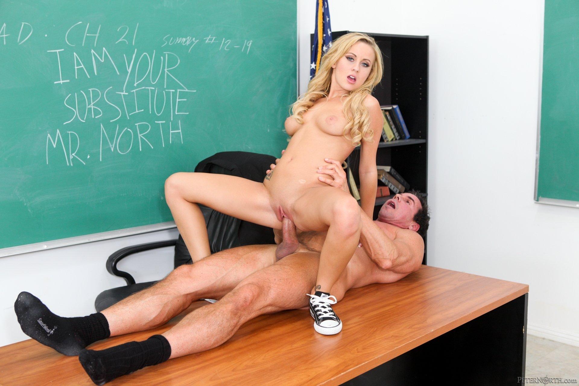 Ученицы трахнули учителя, Учитель трахает ученицу - смотреть лучшее порно 8 фотография