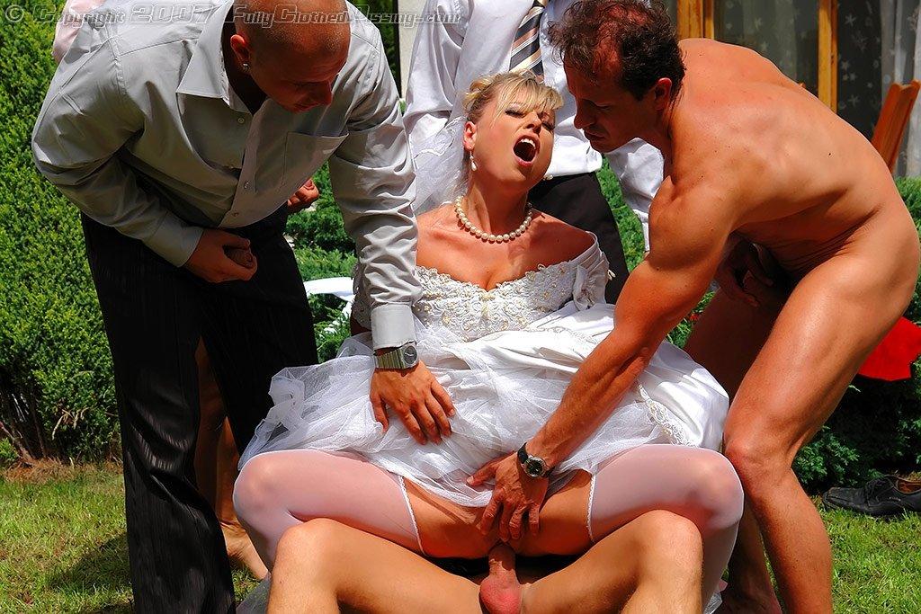 Бальное Платье Видео Онлайн Порно