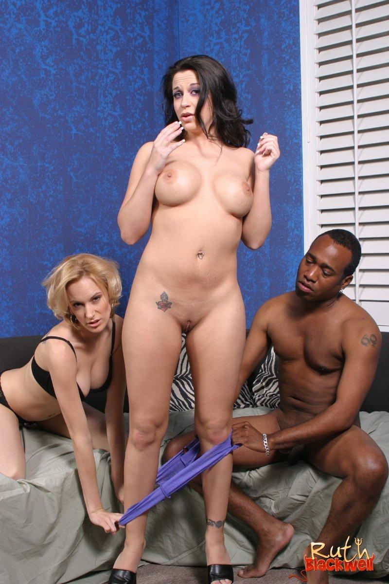 Глотает сперму - Порно фото галерея 635040