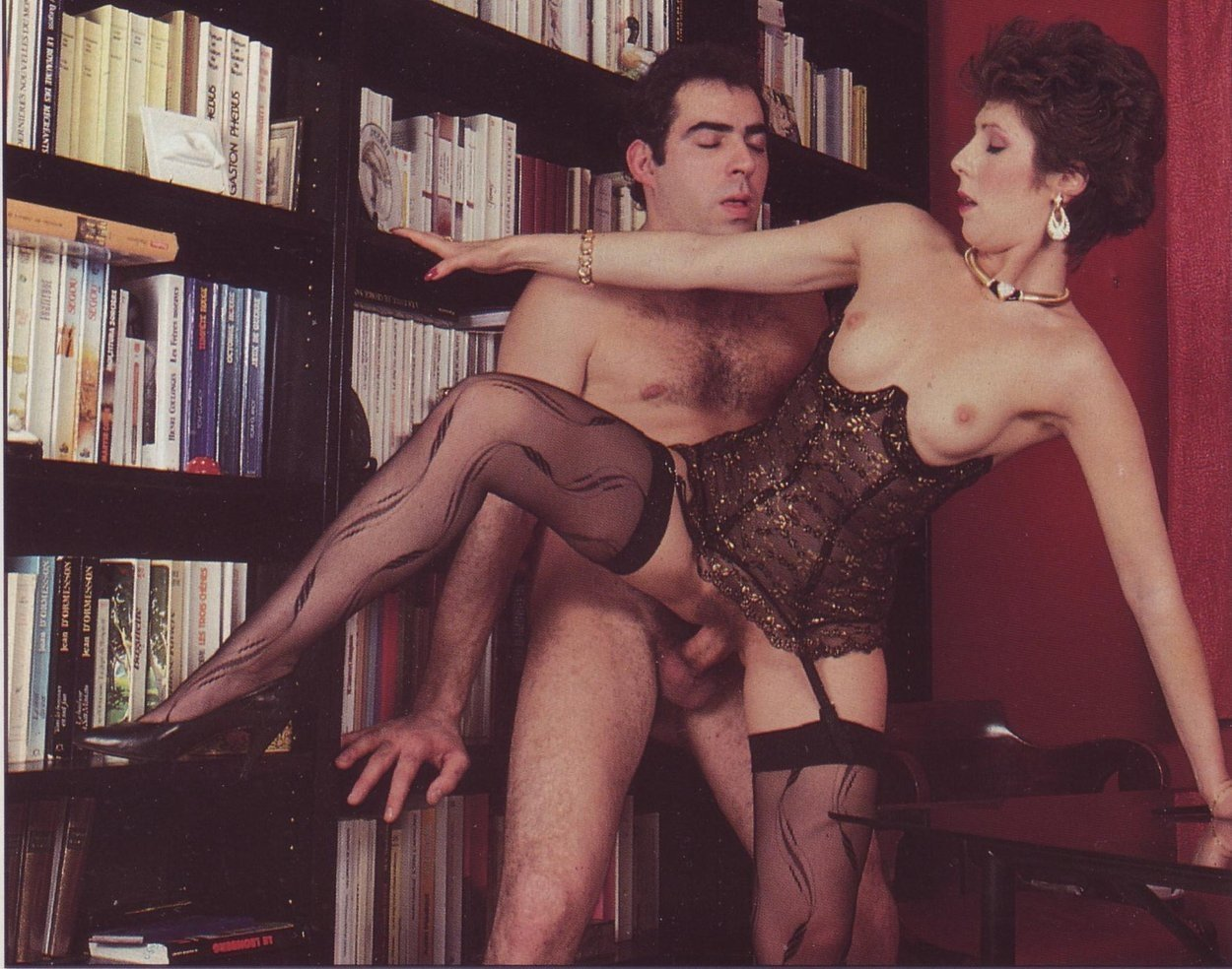 Ретро порно в чулках онлайн, Порно чулки ретро - 28 видео. Смотреть порно онлайн 12 фотография