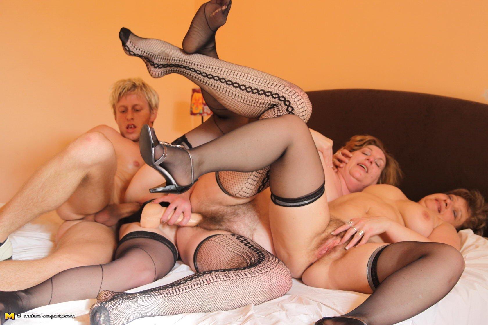 Со зрелыми русскими женщинами порно, Русские зрелые женщины - смотреть порно видео 13 фотография