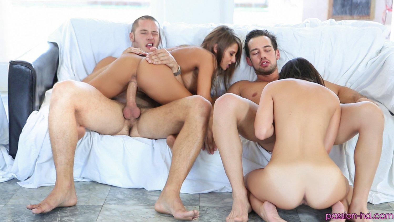 Порно видео поменялись партнёрами