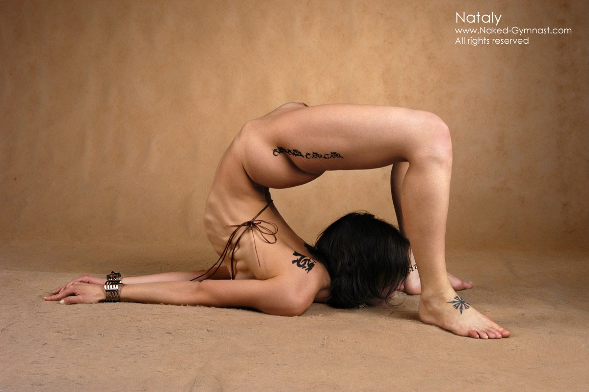 Фото голых гибких девушек, Голые гибкие на фото обнаженных девушек в эротике 10 фотография