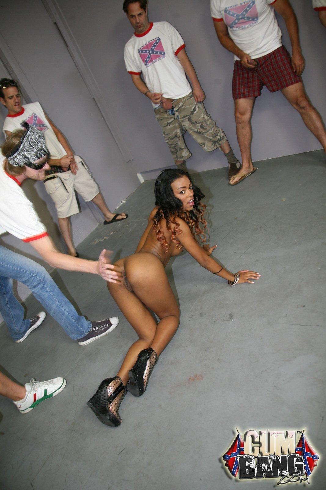 Генг Бенг - Порно фото галерея 1060569
