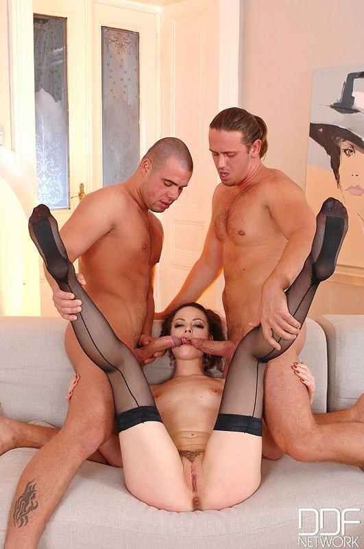 Футджоб - Порно фото галерея 1013724