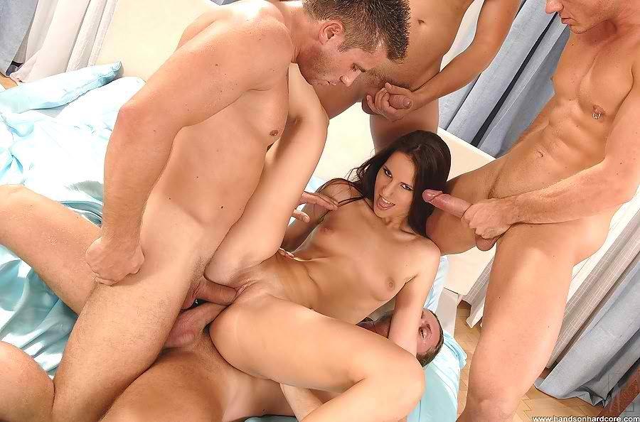 Красивое групповое порно