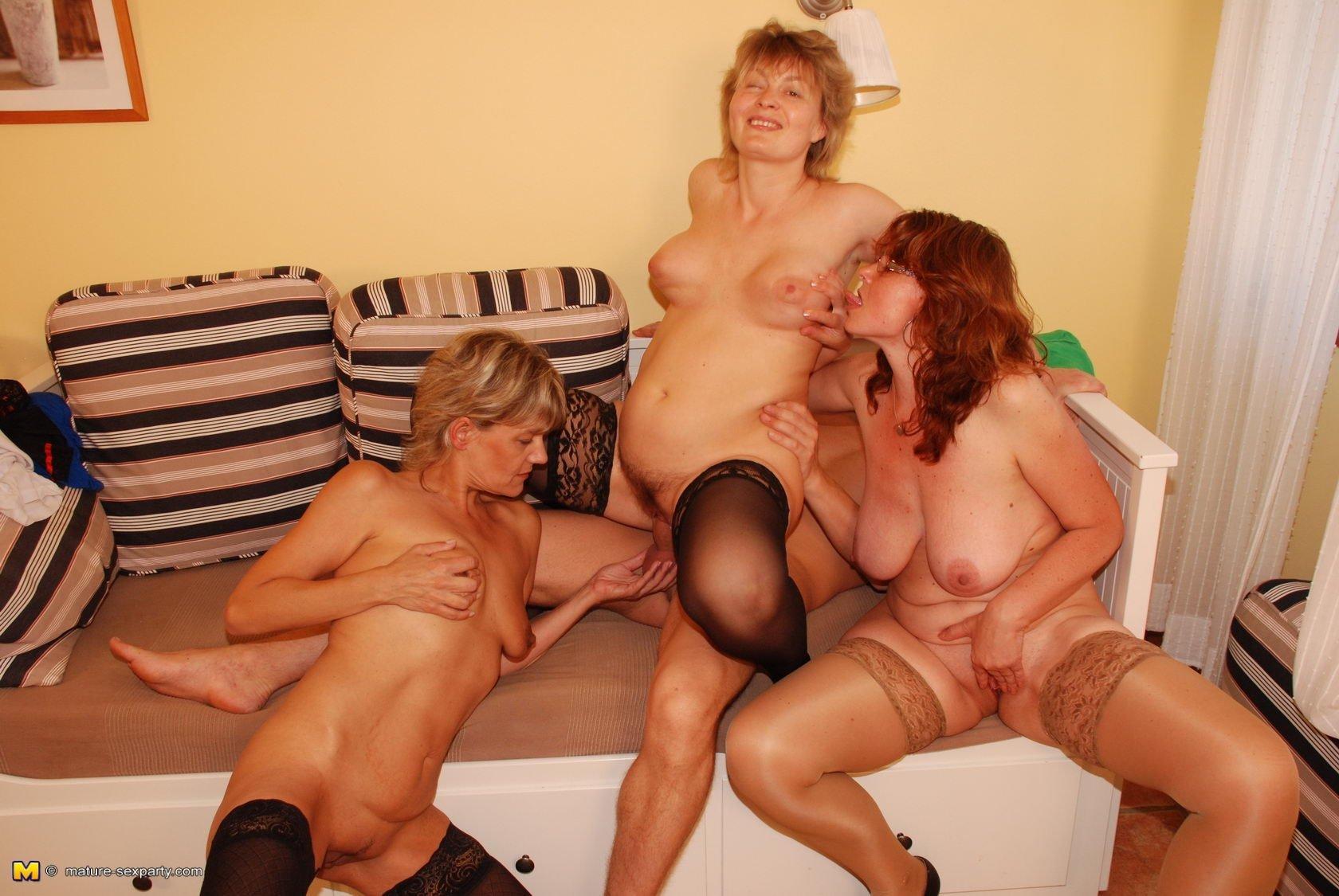 Вчетвером - Порно фото галерея 868233