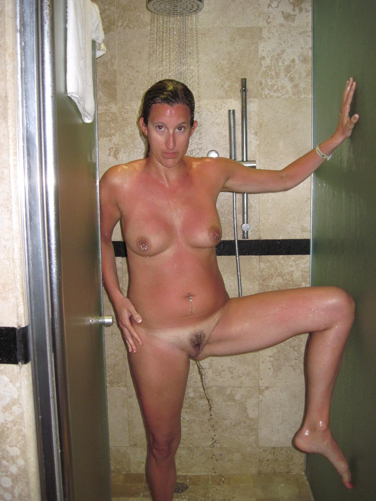 Голые телки в ванной - компиляция 11