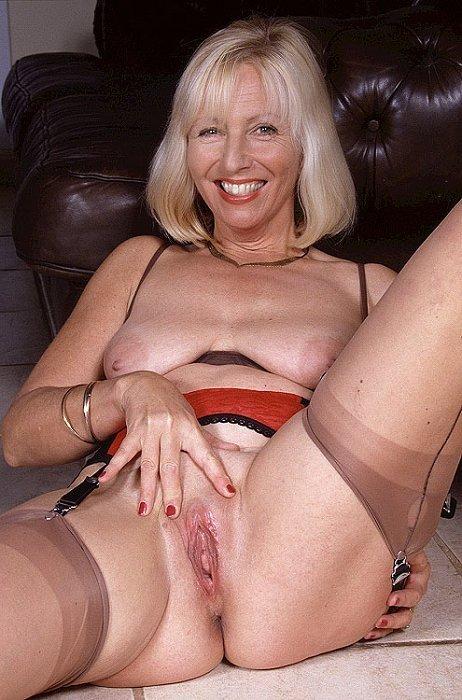 Пожилая - Порно фото галерея 65679