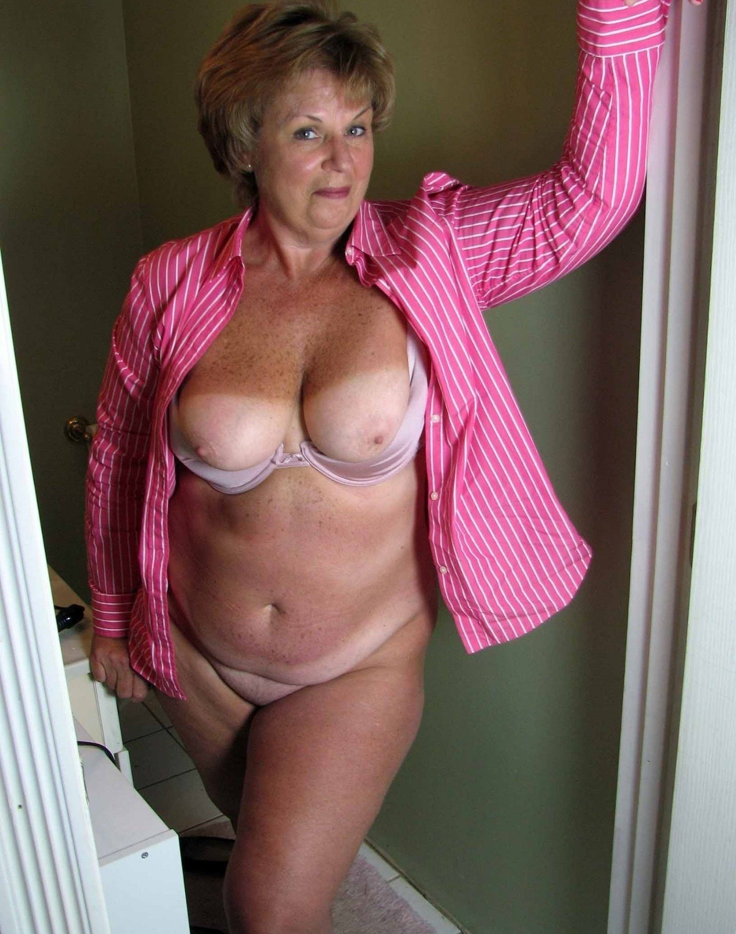 Пожилая - Порно фото галерея 1083382