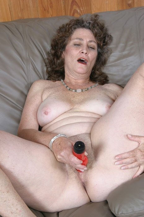 Пожилая - Порно фото галерея 65089