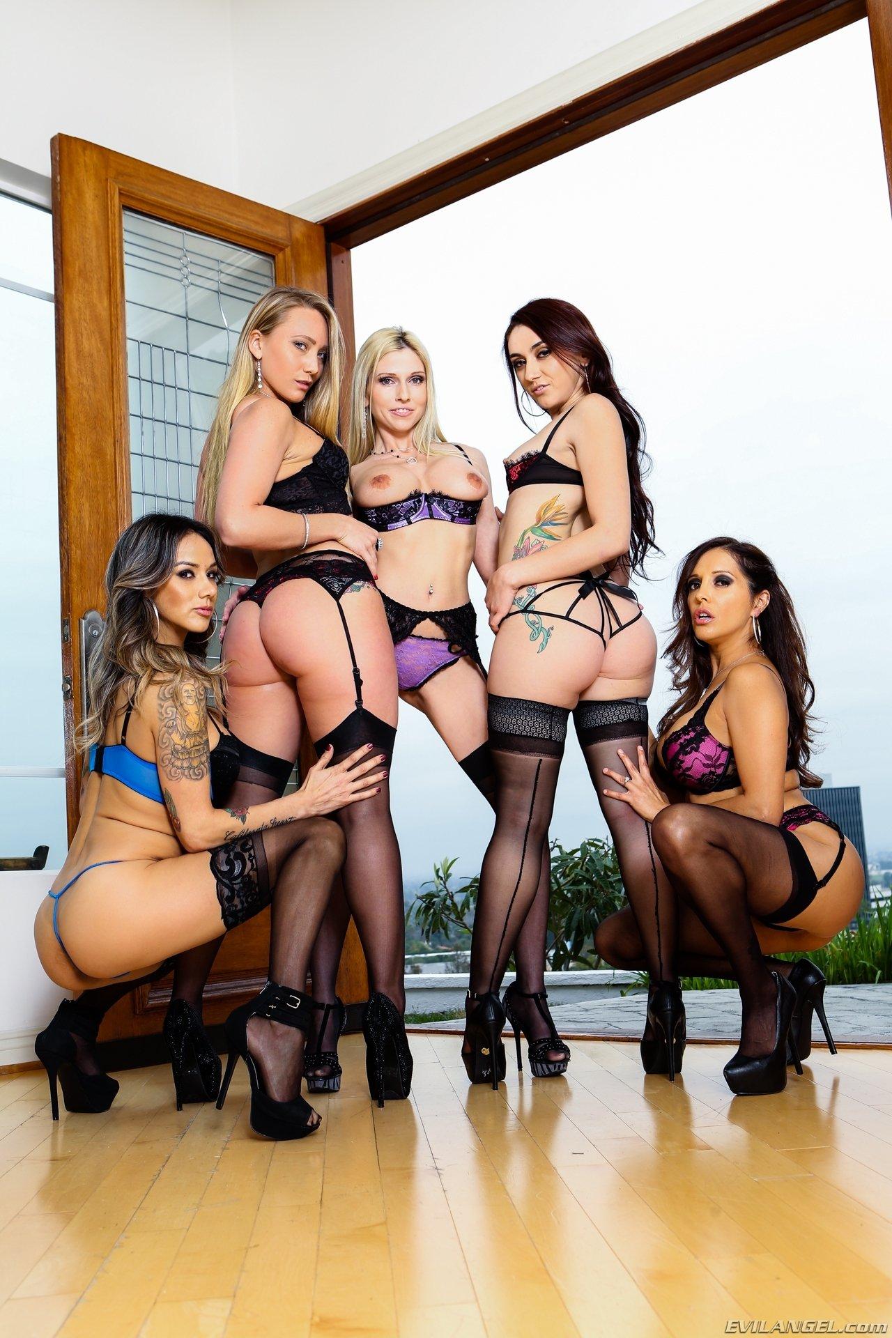 Групповуха - Порно фото галерея 1085226