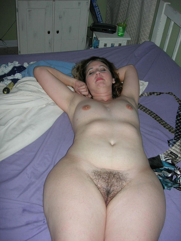 Большая грудь жопа и волосатя киска порно