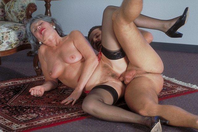 порно фото галерея секс зрелых женщин № 316411 бесплатно