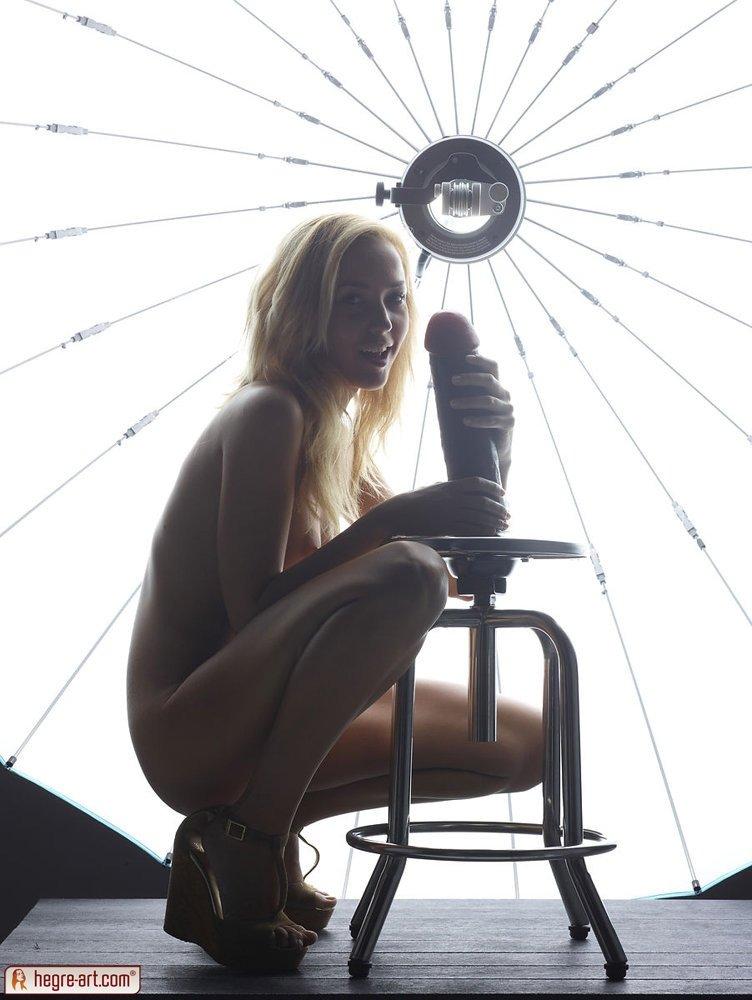 Большие секс игрушки - Порно фото галерея 881511
