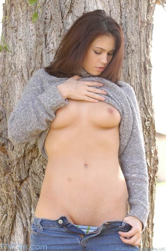 В джинсах - Порно фото галерея 43335