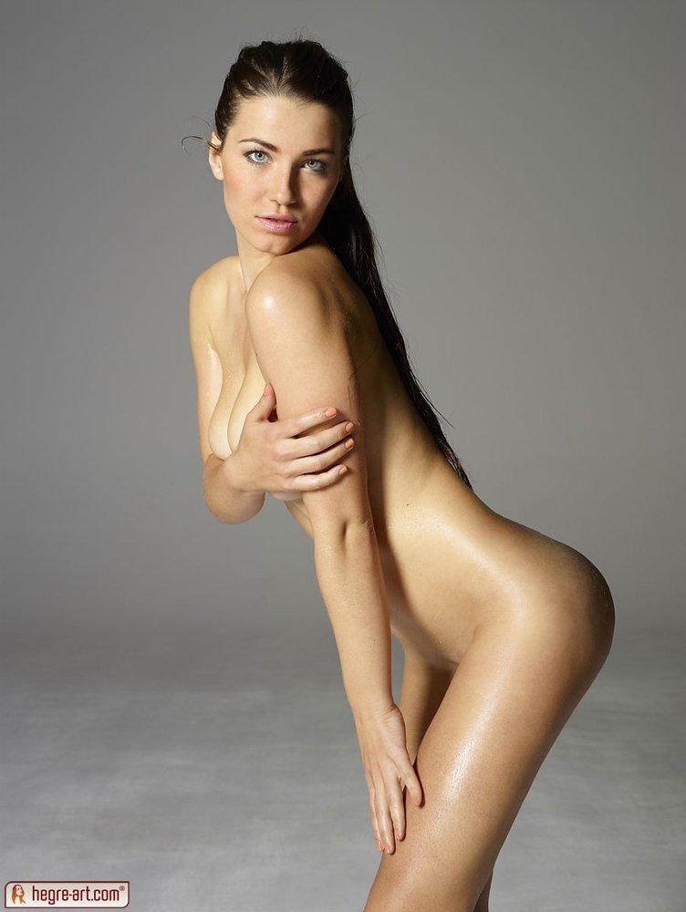 Длинноволосая - Порно фото галерея 1011461