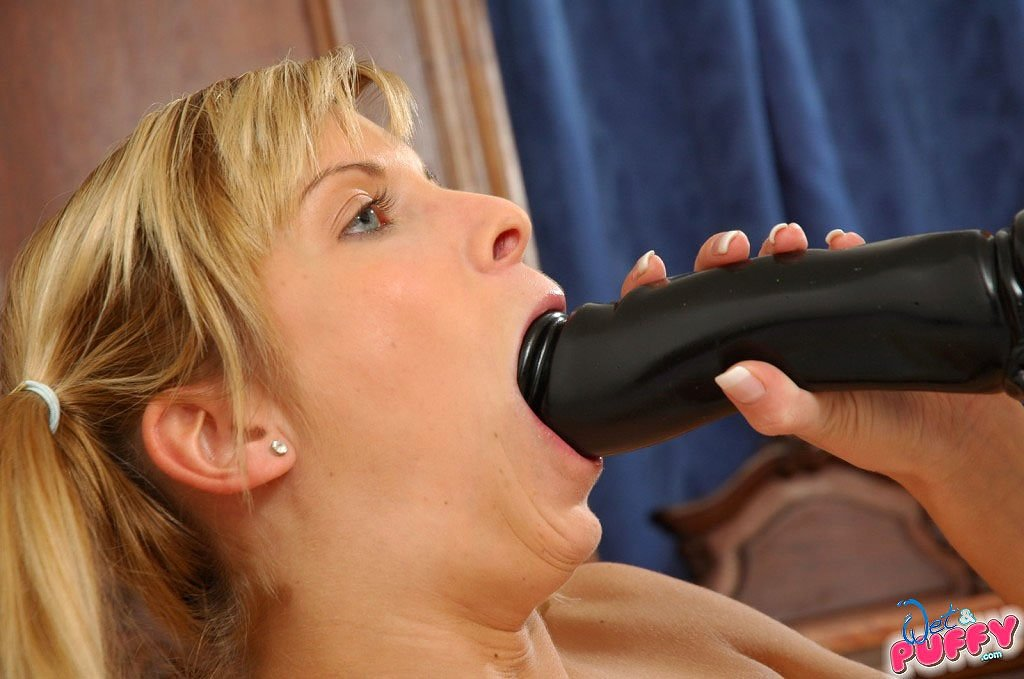 В мини юбке - Порно фото галерея 813659
