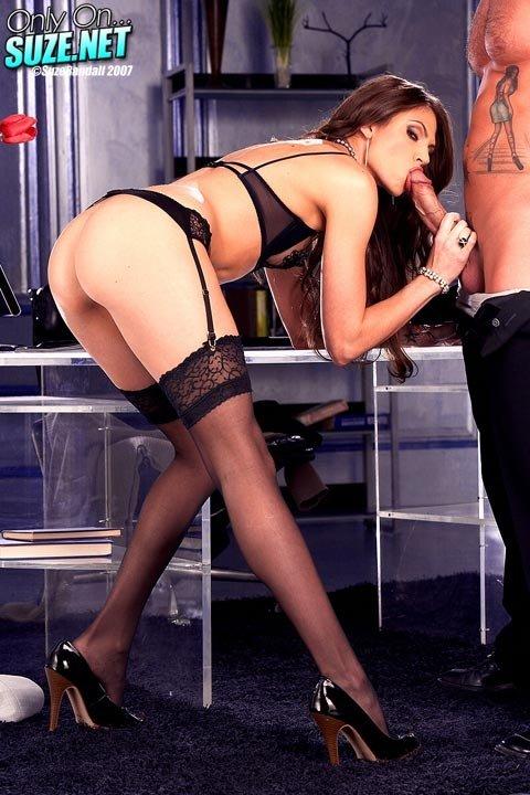 В мини юбке - Порно фото галерея 470410