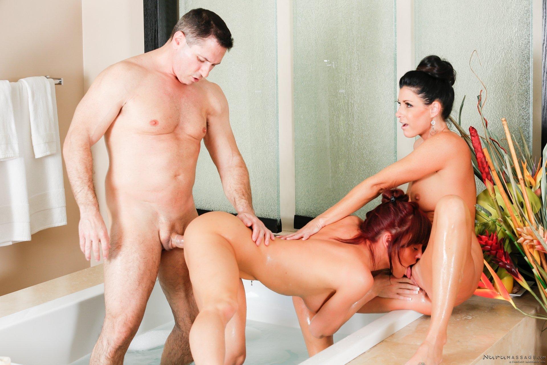 Секс в троём стоя, Секс Втроем порно видео бесплатно гиг порно 13 фотография