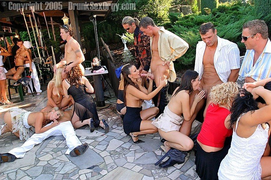 Пьяная секс вечеринка - Порно фото галерея 288537