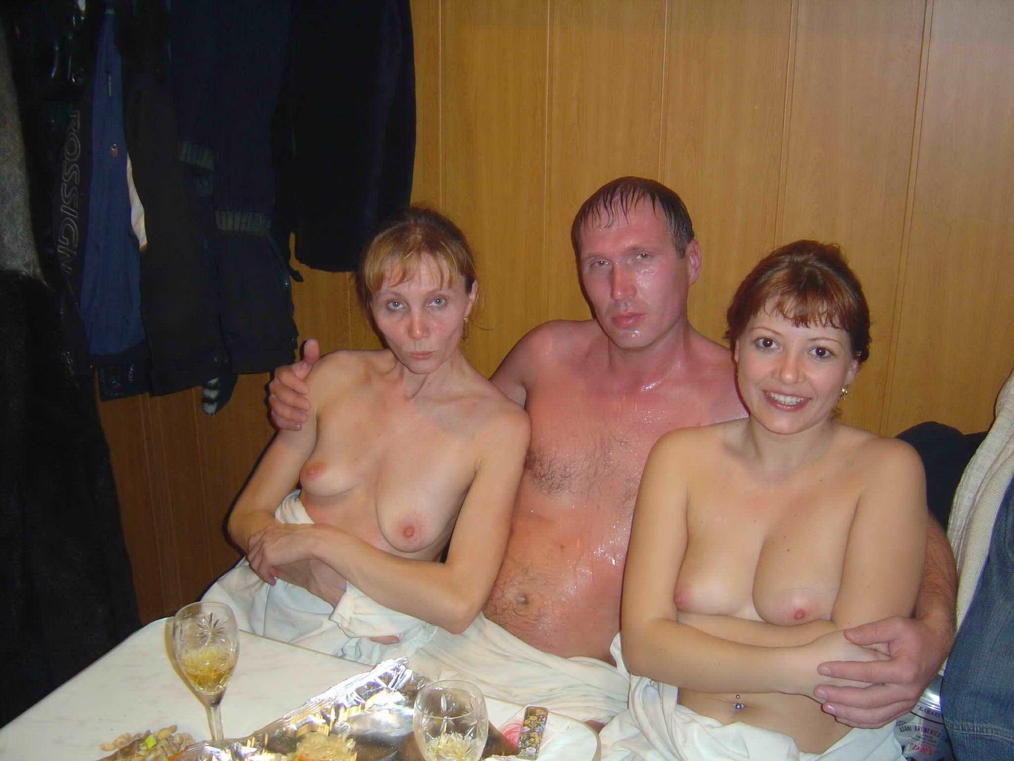 Семьи нудистов в бане фото, Голый Боди Арт в бане с нудистами 5 фотография