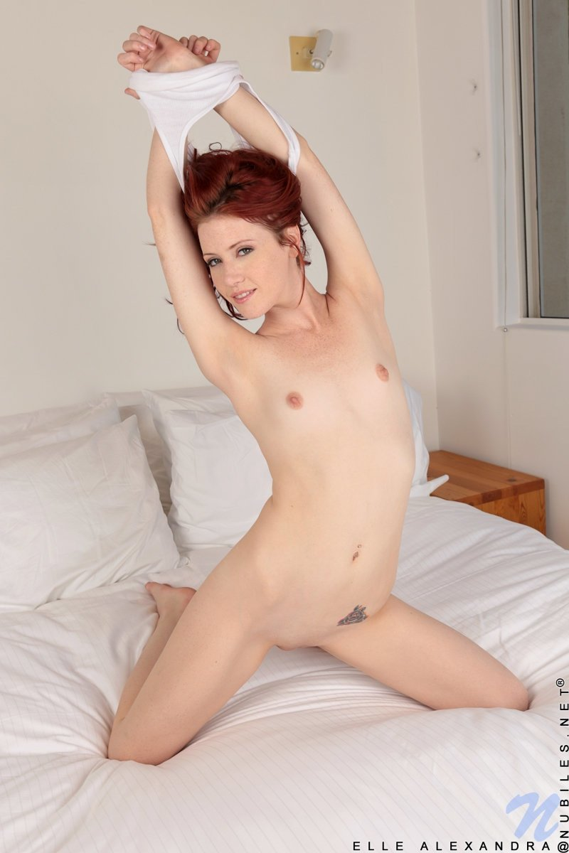 Рыжая - Порно фото галерея 941496