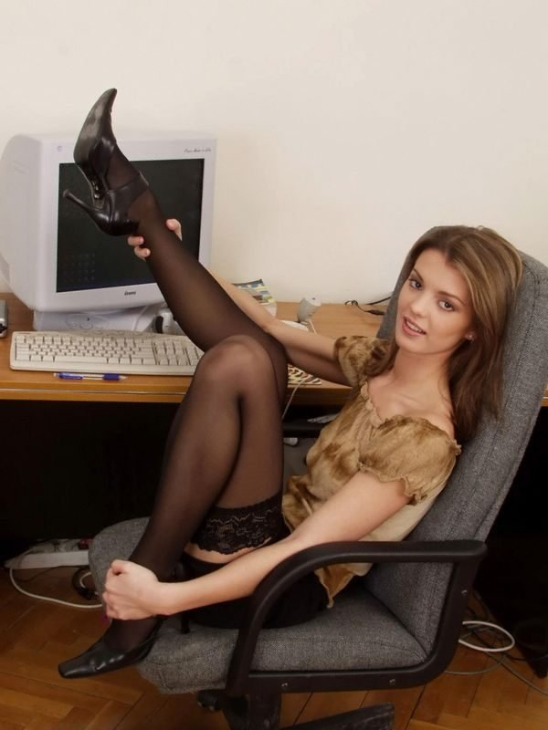Секретарша - Порно фото галерея 120990
