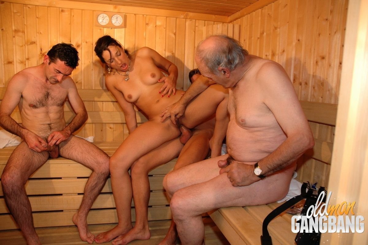 В сауне - Порно фото галерея 784967